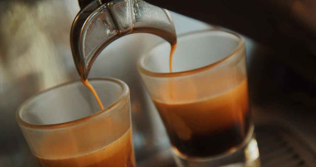 コーヒー流れる