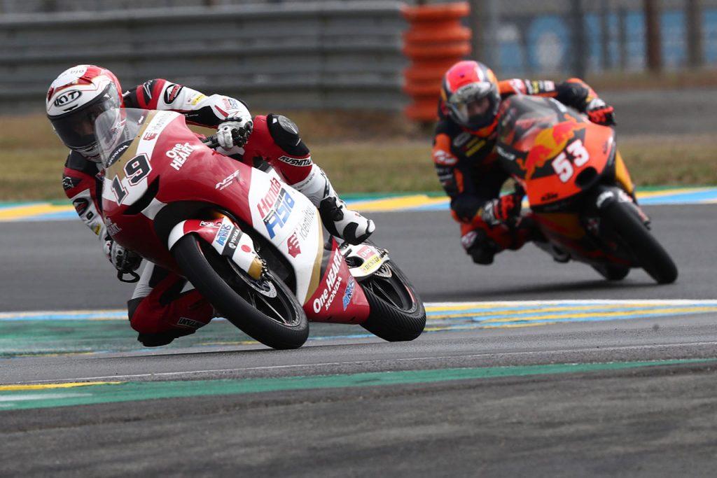 moto3クラスではアンディ選手が世界選手権で初のポイントを獲得